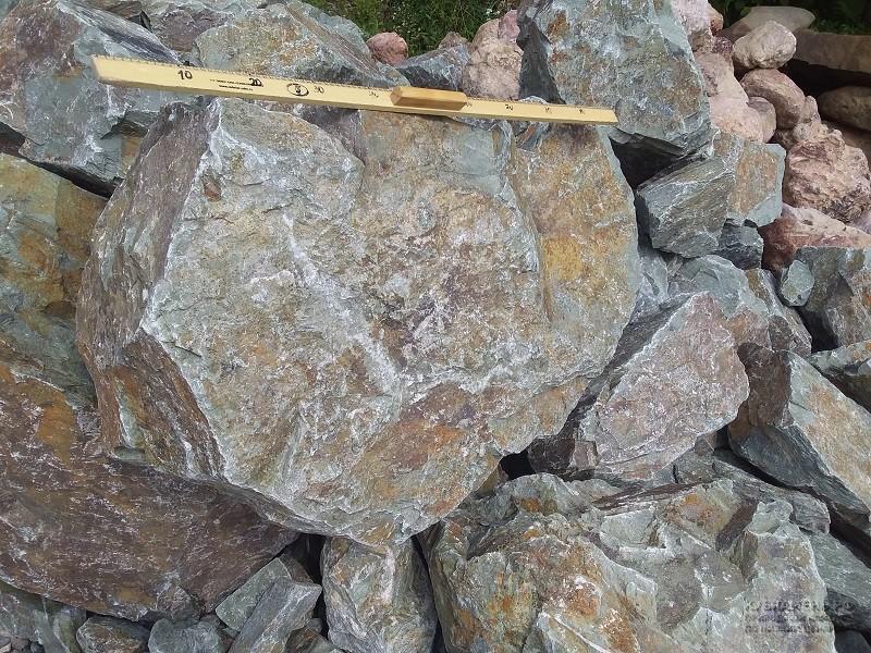 Купить камень большие гранитные рваные валуны