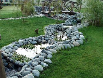 Декорирование водоёмов с помощью ландшафтного валуна