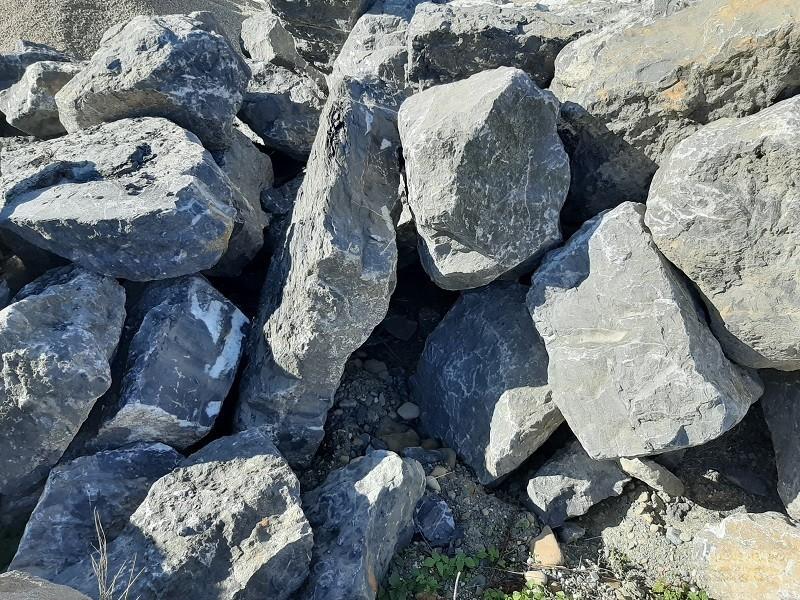 Купить камень черный мрамор большие валуны