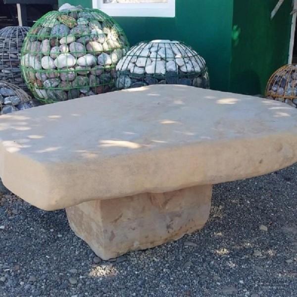Купить декоративные каменные столы из песчаника