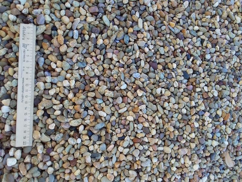 Купить мелкую гальку сеяную рыжую оптом
